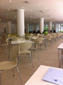 創光ライフ建築事務所のブログ-学生に混ざって食堂でランチ